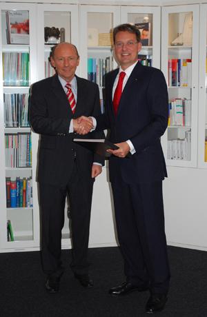 Prof. Dr. Guido Quelle, Herr Peter J Bachmann