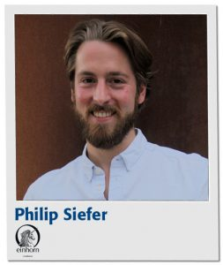 philip-siefer-polaroid-mit-logo-und-name